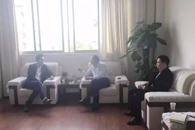 东方龙商务陪同新能源充电桩投资选址项目方考察余江县工业园区