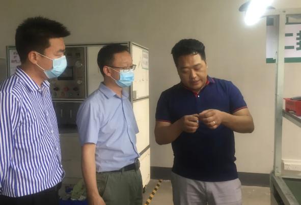 陪同湖北襄阳政府园区对接考察聚合物锂电池扩建投资选址项目,以点对点对接促进产业深度融合