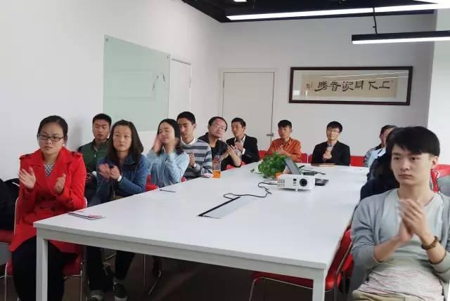 东方龙商务成功举办精英招聘会