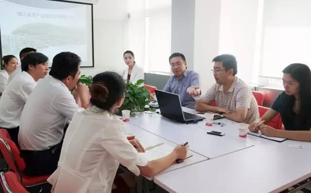 东方龙商务举办汽车综合商圈投资选址项目对接会,助力地方优化汽车市场格局
