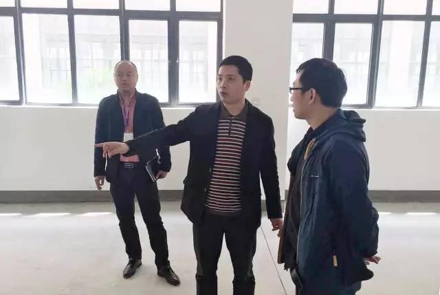 东方龙商务陪同3D打印设备投资选址项目方考察上海南汇工业园区