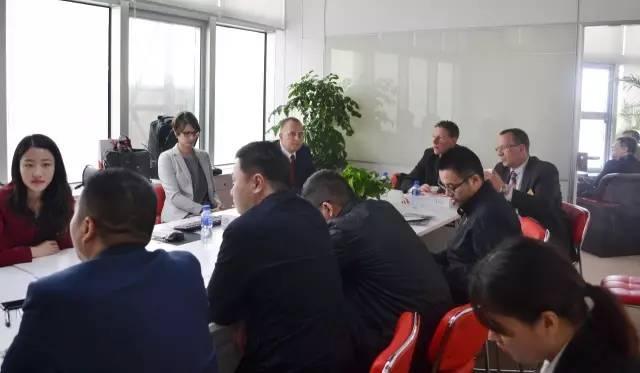 """德国乌波塔尔市市长约翰内斯·斯拉维奇博士一行来访上海东方龙商务国际平台举行""""乌波塔尔投资洽谈会"""""""